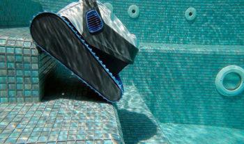 Best Robotic Pool Vacuum Cleaner