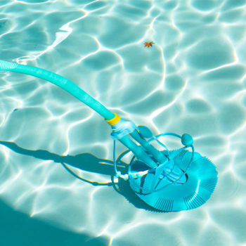 Best Suction Pool Cleaner – (Reviews & Buying Guide 2019)